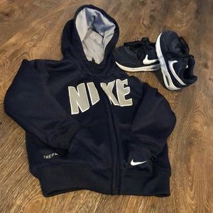 Nike sweater & sneakers